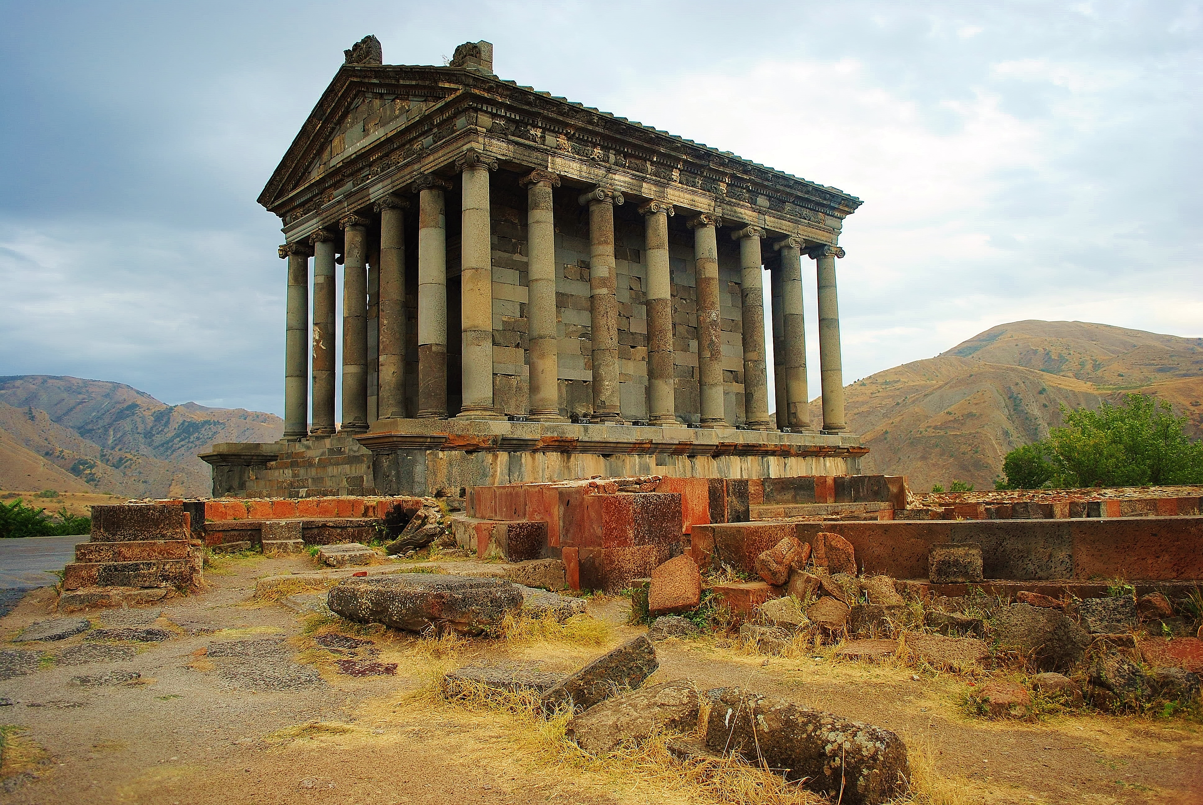 Armenia - świątynia Garni.