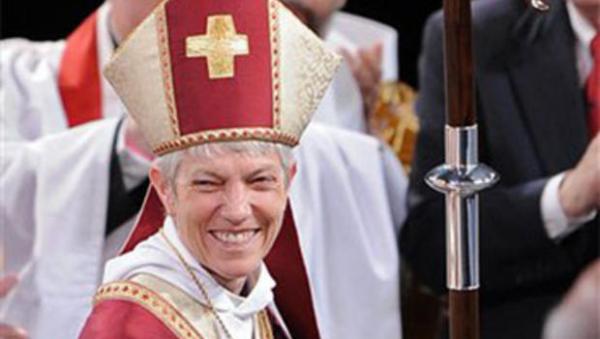 lesbian_priest
